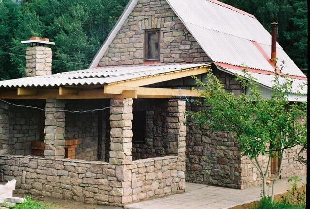 Как построить дом из камней своими руками 91